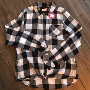 🆕 Girls black white buffalo plaid shirt